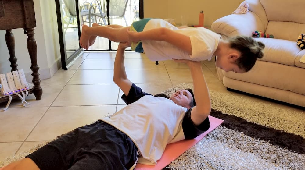 Home Workout - Daughter Bench Presses