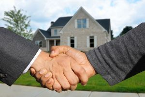 Selling a House... It's the Reason I'll Never Buy Another - Selling a house takes some negotiations
